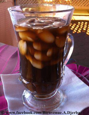 Thé aux amandes Tunisie Djerba