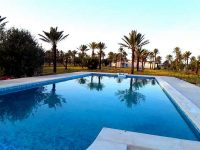 Grande maison avec piscine à Djerba pour les vacances